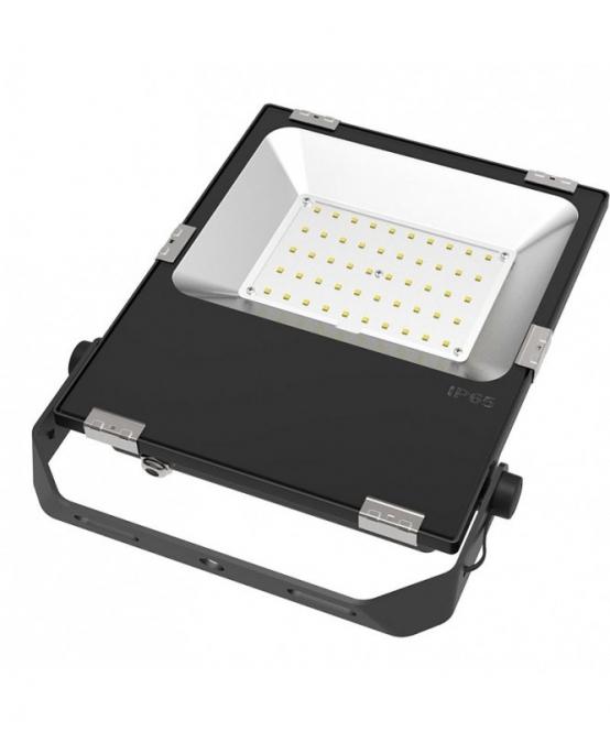 LED-Flutlichtstrahler 5500 Lumen 230V AC/DC kaltweiss 50W für extreme Luftfeuchte DC-kompatibel
