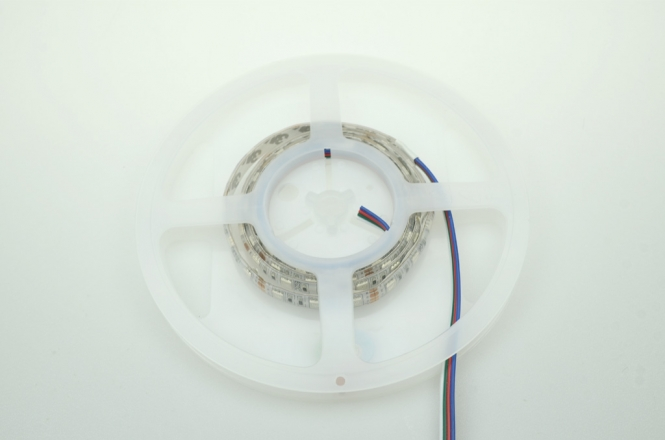 LED-Lichtband 420 Lumen 12V DC RGB 14,4W Meterware DC-kompatibel
